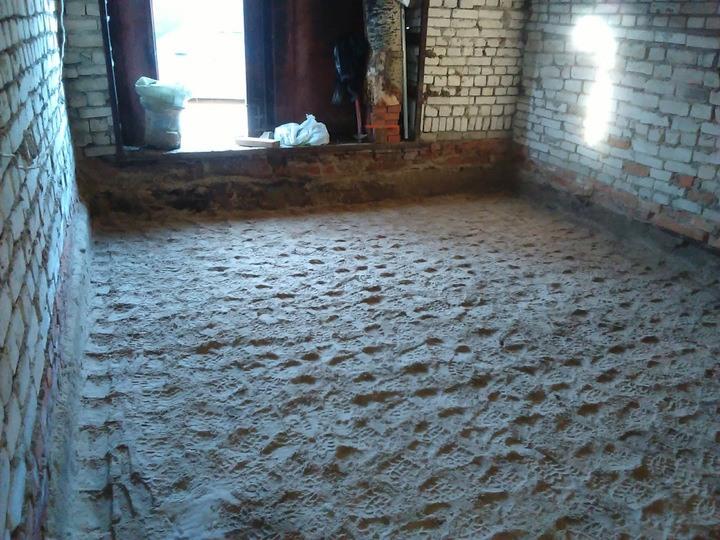 Песчаная подготовка в гараже