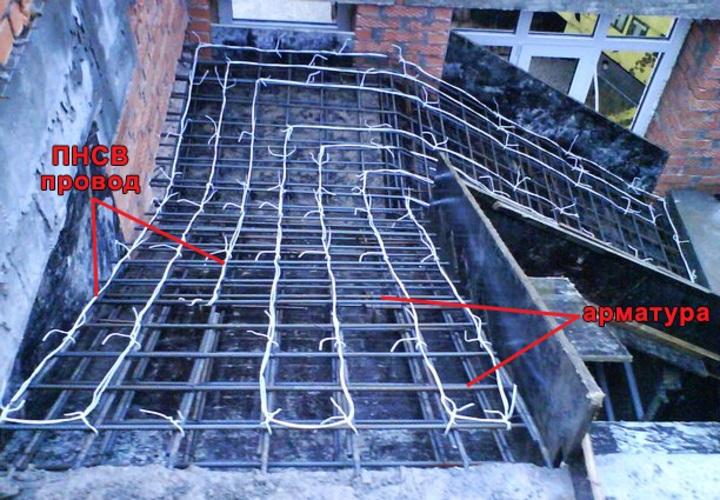 технология обогрева бетона в зимнее время при помощи провода ПНСВ лестничный марш смонтированный провод