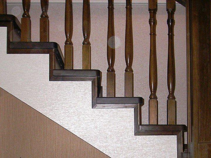 бетонная лестница обделанная деревом
